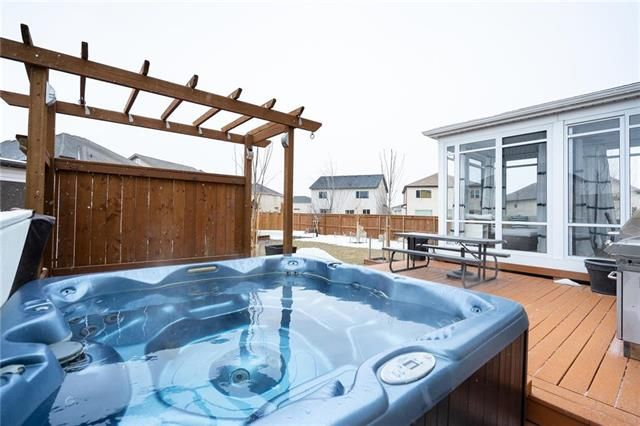 Photo 19: Photos: 18 Greyhawk Cove in Winnipeg: South Pointe Residential for sale (1R)  : MLS®# 1907959