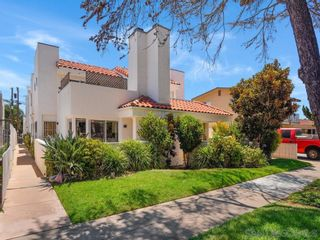 Photo 2: PACIFIC BEACH Condo for sale : 3 bedrooms : 1531 Missouri St #2 in San Diego