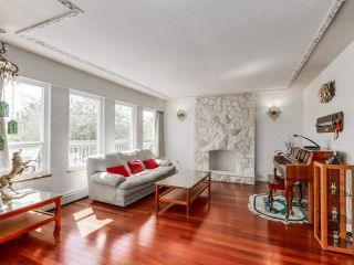 Photo 1: 5431 ARGYLE Street in Vancouver: Knight House for sale (Vancouver East)  : MLS®# R2401912