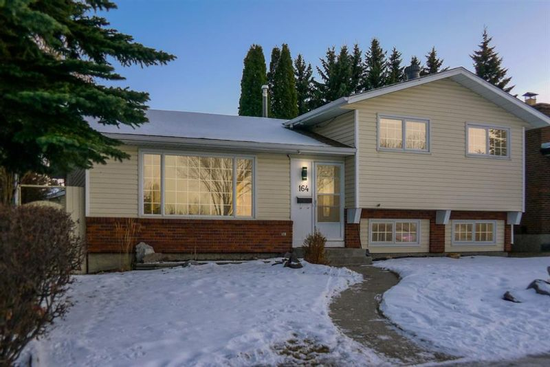 FEATURED LISTING: 164 Deermont Way Southeast Calgary