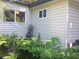 "Photo 15: 2 5302 SELMA PARK Road in Sechelt: Sechelt District Manufactured Home for sale in ""Selma Vista Mobile Home Park"" (Sunshine Coast)  : MLS®# R2579205"