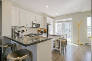 """Photo 15: 36 16228 16 Avenue in Surrey: King George Corridor Townhouse for sale in """"PIER 16"""" (South Surrey White Rock)  : MLS®# R2591498"""