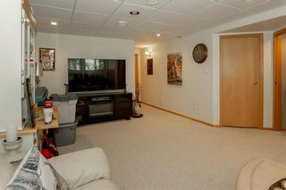 Photo 23: 64 Edelweiss Crescent in Niverville: R07 Residential for sale : MLS®# 202013038