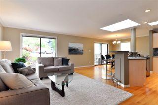 "Photo 4: 11057 WESTRIDGE Place in Delta: Sunshine Hills Woods House for sale in ""Sunshine Village"" (N. Delta)  : MLS®# R2298594"