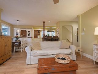 Photo 7: 1985 W Burnside Rd in : VR Prior Lake House for sale (View Royal)  : MLS®# 860770