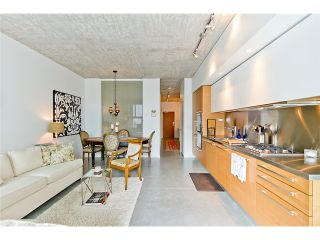 """Photo 7: 104 388 W 1ST Avenue in Vancouver: False Creek Condo for sale in """"THE EXCHANGE"""" (Vancouver West)  : MLS®# V975965"""