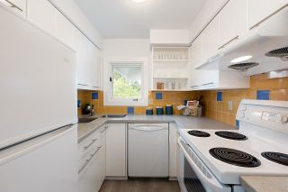 """Photo 10: 4 2017 W 15TH Avenue in Vancouver: Kitsilano Townhouse for sale in """"Upper Kits/ Lower Shaughnessy"""" (Vancouver West)  : MLS®# R2595501"""