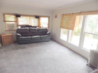 Photo 3: 3 5302 SELMA PARK Road in Sechelt: Sechelt District Manufactured Home for sale (Sunshine Coast)  : MLS®# R2498079