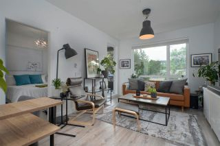 """Photo 1: 211 2382 ATKINS Avenue in Port Coquitlam: Central Pt Coquitlam Condo for sale in """"PARC EAST"""" : MLS®# R2583271"""