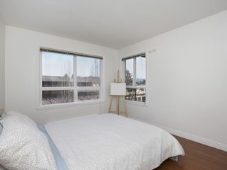 """Photo 12: 307 3638 W BROADWAY Street in Vancouver: Kitsilano Condo for sale in """"CORAL COURT"""" (Vancouver West)  : MLS®# R2354211"""