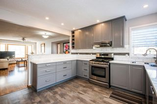 Photo 8: 25 Millbank Bay SW in Calgary: Millrise Detached for sale : MLS®# A1072623