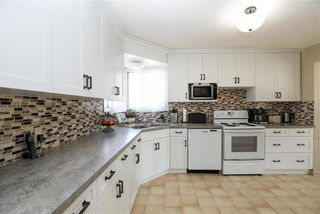 Photo 4: 33058 216 Highway South in Kleefeld: R16 Residential for sale : MLS®# 202124082