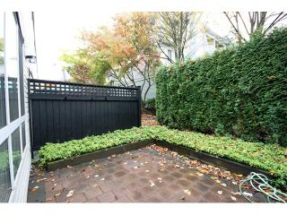 """Photo 5: 6727 VILLAGE Grove in Burnaby: Highgate Townhouse for sale in """"MONTEREY"""" (Burnaby South)  : MLS®# V977948"""