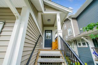 """Photo 2: 32 7059 210 Street in Langley: Willoughby Heights Townhouse for sale in """"ALDER"""" : MLS®# R2493055"""