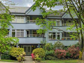 Photo 1: 214 925 W 10TH Avenue in Vancouver: Fairview VW Condo for sale (Vancouver West)  : MLS®# R2575441
