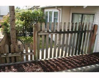 """Photo 9: 26 98 BEGIN Street in Coquitlam: Maillardville Townhouse for sale in """"LE PARE"""" : MLS®# V718679"""