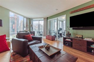 """Photo 17: 2307 583 BEACH Crescent in Vancouver: Yaletown Condo for sale in """"2 PARK WEST"""" (Vancouver West)  : MLS®# R2574813"""