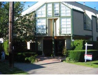 Photo 3: 20 1870 YEW ST in Vancouver: Kitsilano Condo for sale (Vancouver West)  : MLS®# V547428