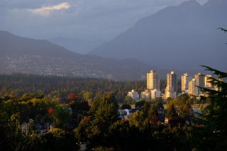 """Photo 28: 301 2035 W 4TH Avenue in Vancouver: Kitsilano Condo for sale in """"THE VERMEER"""" (Vancouver West)  : MLS®# R2493393"""