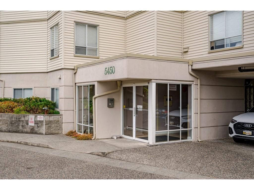"""Photo 3: Photos: 306 5450 208 Street in Langley: Langley City Condo for sale in """"Montgomery Gate"""" : MLS®# R2608181"""