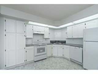 """Photo 5: 215 31930 OLD YALE Road in Abbotsford: Abbotsford West Condo for sale in """"ROYAL COURT"""" : MLS®# R2421302"""