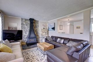 Photo 3: 928 ARCHWOOD Road SE in Calgary: Acadia Detached for sale : MLS®# C4258143