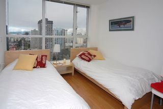 """Photo 8: 2606 1068 HORNBY Street in Vancouver: Downtown VW Condo for sale in """"THE CANADIAN"""" (Vancouver West)  : MLS®# V746249"""