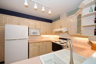 """Photo 13: 5 3701 THURSTON Street in Burnaby: Central Park BS Townhouse for sale in """"THURSTON GARDENS"""" (Burnaby South)  : MLS®# R2615333"""