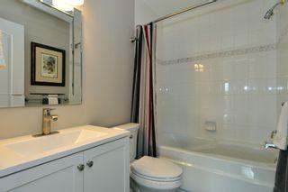 Photo 12: 403 15340 19A Avenue in Surrey: King George Corridor Condo for sale (South Surrey White Rock)  : MLS®# R2353532