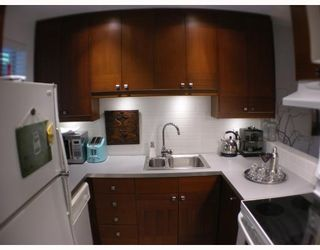"""Photo 5: 213 1345 COMOX Street in Vancouver: West End VW Condo for sale in """"TIFFANY COURT"""" (Vancouver West)  : MLS®# V648856"""