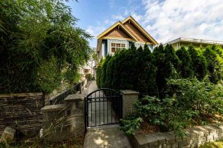 Photo 2: 1607 E GEORGIA Street in Vancouver: Hastings 1/2 Duplex for sale (Vancouver East)  : MLS®# R2488468