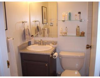 """Photo 5: 205 930 E 7TH Avenue in Vancouver: Mount Pleasant VE Condo for sale in """"Windsor Park"""" (Vancouver East)  : MLS®# V787227"""