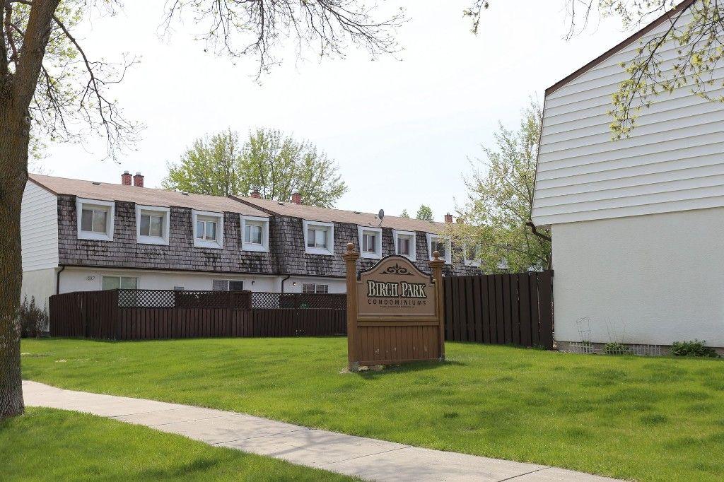 Photo 24: Photos: 1 1048 Buchanan Boulevard in Winnipeg: Crestview Townhouse for sale (West Winnipeg)  : MLS®# 1514156