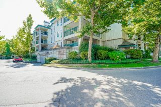 """Photo 30: 233 19528 FRASER Highway in Surrey: Cloverdale BC Condo for sale in """"Fairmont On The Boulevard"""" (Cloverdale)  : MLS®# R2615595"""