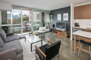 """Photo 2: 405 221 UNION Street in Vancouver: Mount Pleasant VE Condo for sale in """"V6A"""" (Vancouver East)  : MLS®# R2115784"""
