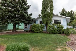 Photo 1: 65 Albany Crescent in Saskatoon: River Heights SA Residential for sale : MLS®# SK859178