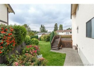 Photo 17: 795 Pepin Pl in VICTORIA: SW Northridge House for sale (Saanich West)  : MLS®# 712975