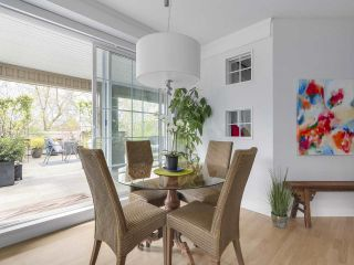 """Photo 5: 302 5605 HAMPTON Place in Vancouver: University VW Condo for sale in """"The Pemberley"""" (Vancouver West)  : MLS®# R2263786"""