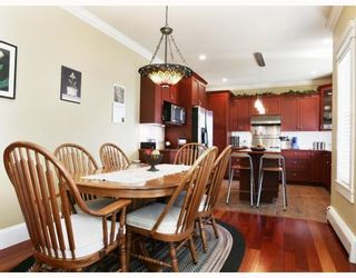 Photo 3: 414 ALBERTA Street in New_Westminster: The Heights NW House for sale (New Westminster)  : MLS®# V754635