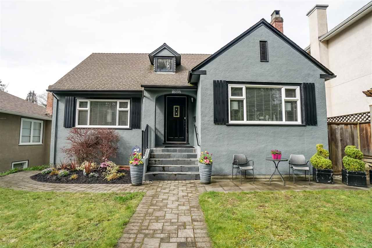 "Main Photo: 3861 W 27TH Avenue in Vancouver: Dunbar House for sale in ""Dunbar"" (Vancouver West)  : MLS®# R2155453"