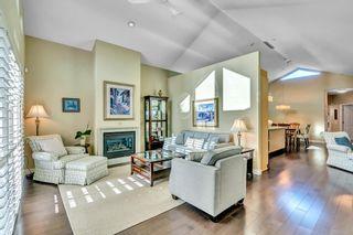 Photo 1: 15511 THRIFT Avenue: White Rock 1/2 Duplex for sale (South Surrey White Rock)  : MLS®# R2526609