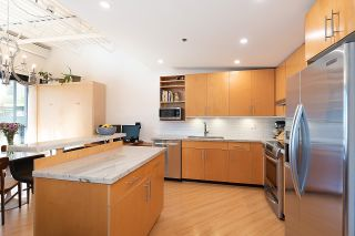 """Photo 3: 511 549 COLUMBIA Street in New Westminster: Downtown NW Condo for sale in """"C2C Lofts"""" : MLS®# R2601275"""