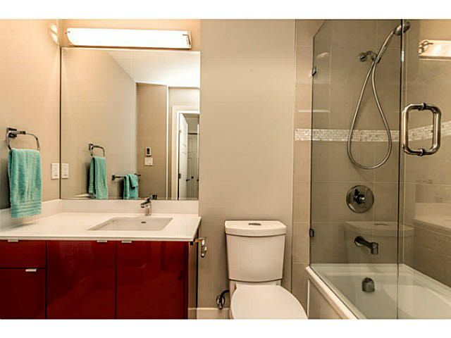 """Photo 15: Photos: 305 2250 COMMERCIAL Drive in Vancouver: Grandview VE Condo for sale in """"THE MARQUEE ON THE DRIVE"""" (Vancouver East)  : MLS®# V1109784"""
