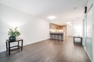 "Photo 2: 5652 ORMIDALE Street in Vancouver: Collingwood VE Townhouse for sale in ""WALL CENTRE CENTRAL PARK"" (Vancouver East)  : MLS®# R2555029"