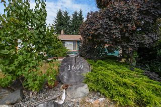 Photo 3: 1609 22nd St in Courtenay: CV Courtenay City House for sale (Comox Valley)  : MLS®# 883618
