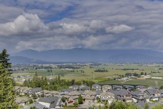 """Photo 17: 32 6026 LINDEMAN Street in Chilliwack: Promontory Townhouse for sale in """"Hillcrest Lane"""" (Sardis)  : MLS®# R2485798"""