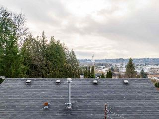 Photo 5: 301 MARINER Way in Coquitlam: Coquitlam East House for sale : MLS®# R2533632
