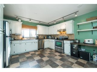 Photo 6: 6081 171A Street in Surrey: Cloverdale BC House for sale (Cloverdale)  : MLS®# R2353242