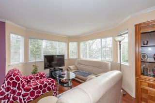 """Photo 4: 202 9865 140 Street in Surrey: Whalley Condo for sale in """"Fraser Court"""" (North Surrey)  : MLS®# R2527405"""