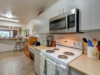 Photo 9: 6 1356 Slater St in : Vi Mayfair Row/Townhouse for sale (Victoria)  : MLS®# 884232